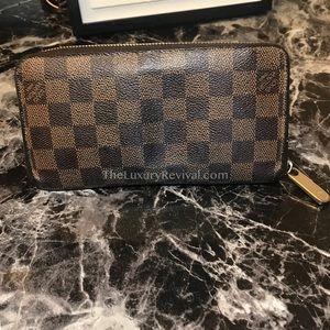 Authentic Louis Vuitton Damier Ebene Zippy Wallet